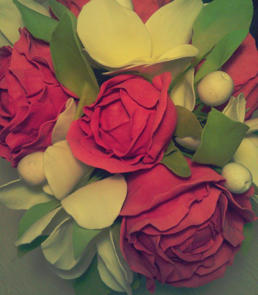 Багетные мастерские Ленбагет в городе Санкт-Петербурге, искусственные розы