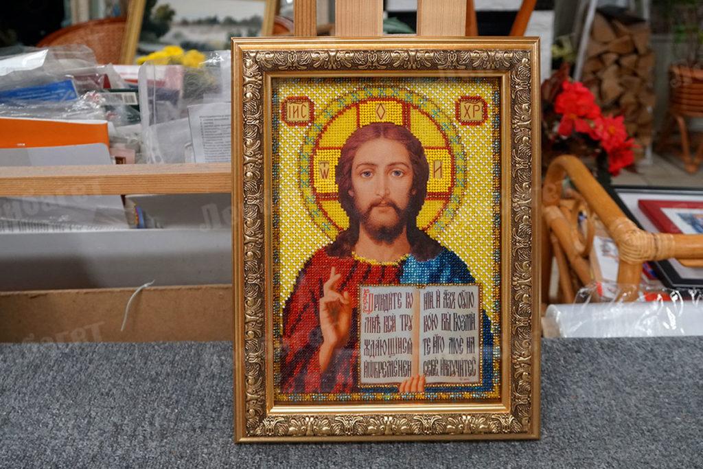 """Икона """"Иисус"""" в золотой багетной рамке"""