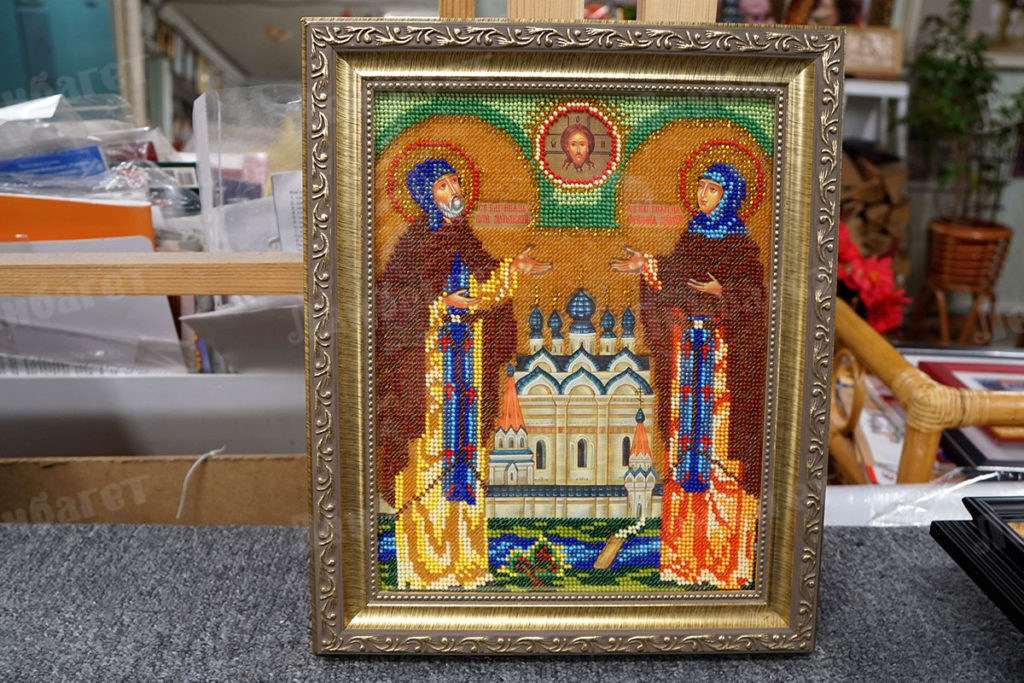 """Икона """"Святые Петр и Феврония"""" в золотой багетной рамке"""