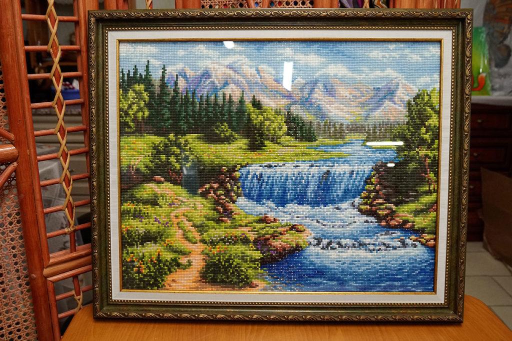 """Алмазная мозайка """"Пейзаж"""" в зеленой багетной рамке"""