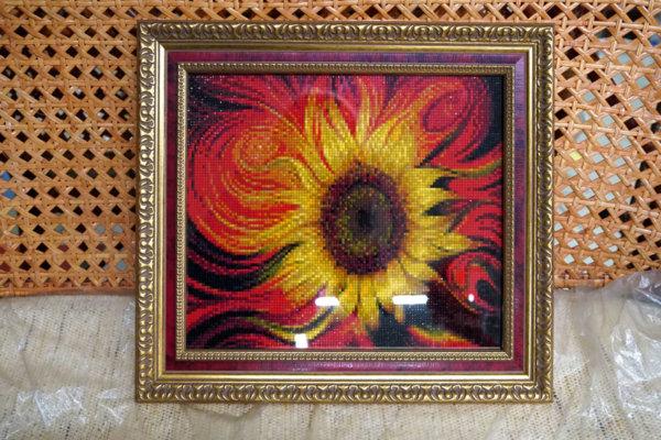 """Алмазная мозайка """"Желтый цветок"""" в золотой багетной рамке"""