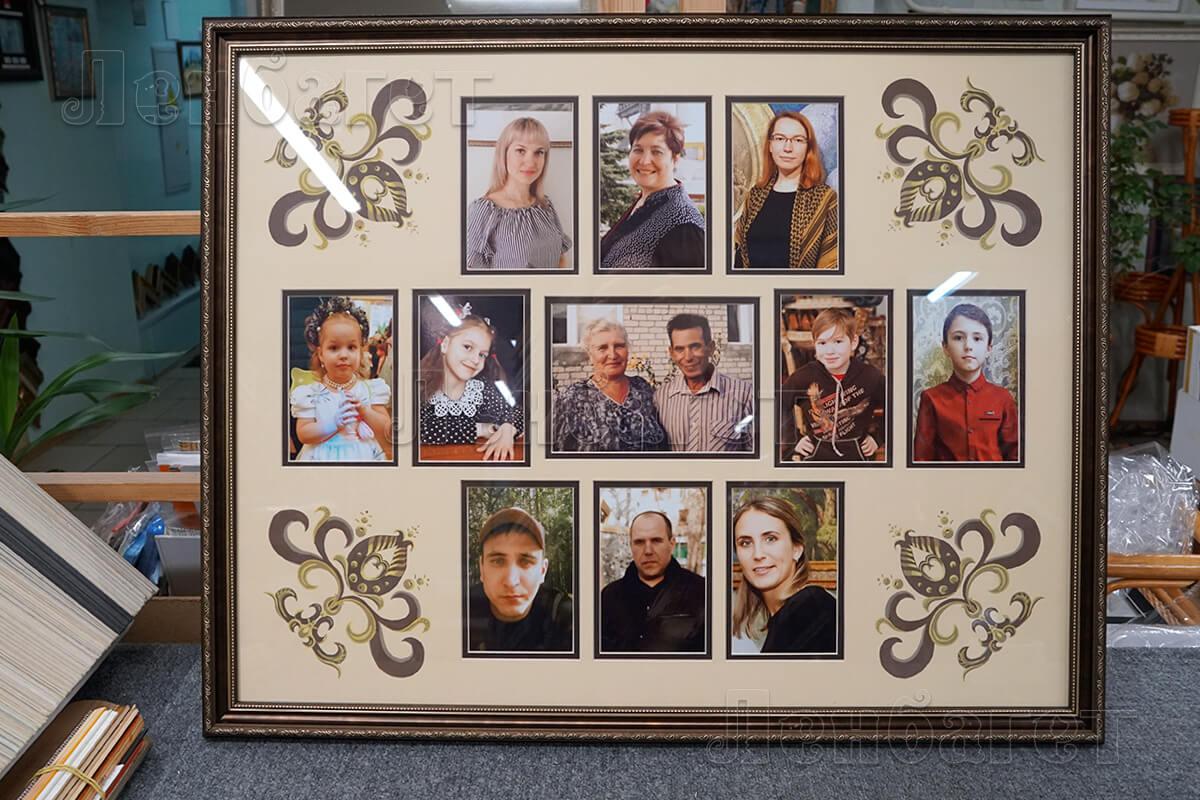 Коллаж из фотографий в бронзовой багетной рамке с паспарту