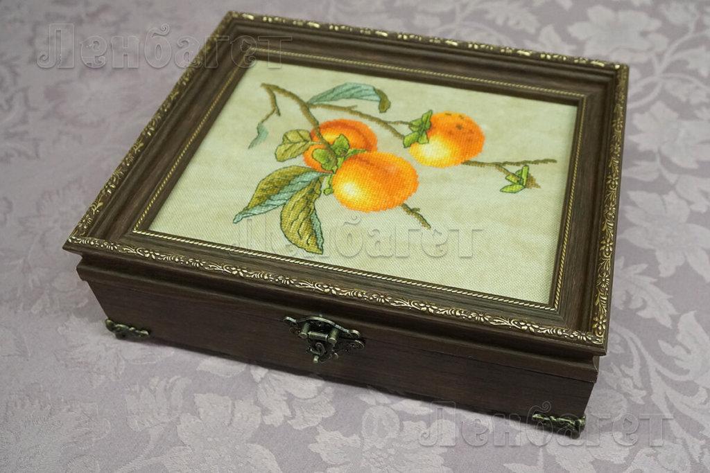 """Вышивка """"Апельсины"""" для оформления крестом в бронзовой багетной рамке"""