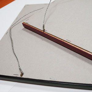Металлический-подвес-для-картин